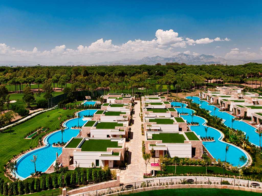 Hotel Regnum Carya Golf & Spa Resort Belek-Golfrooms by pool