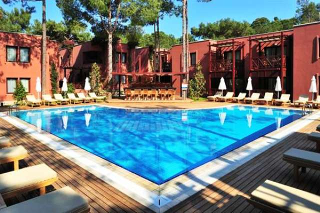 Poolanlage des Hotels Paloma Renaissance Resort in Kemer