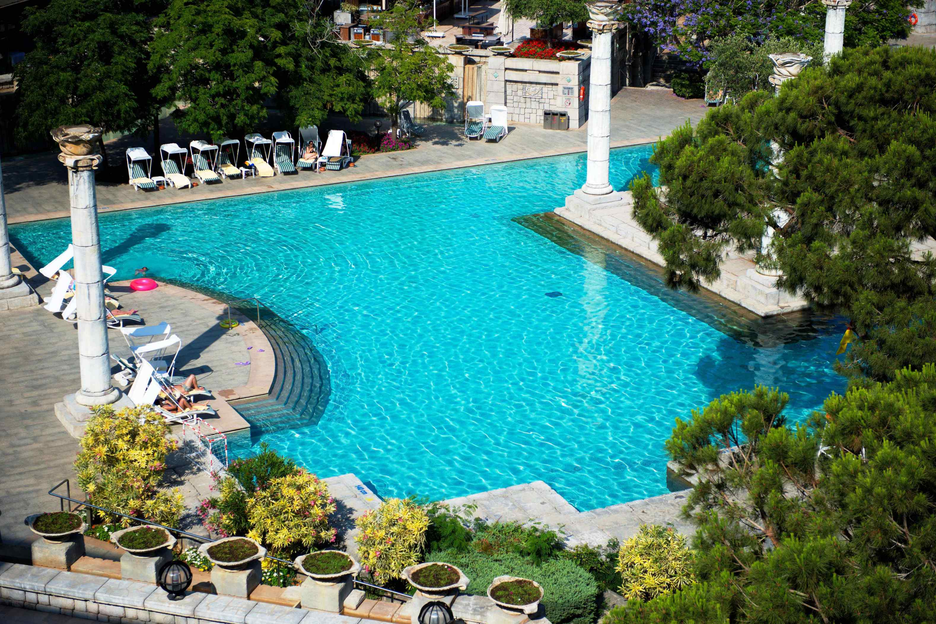 Hotel-Xanadu-Resort-Belek-Antique-pool
