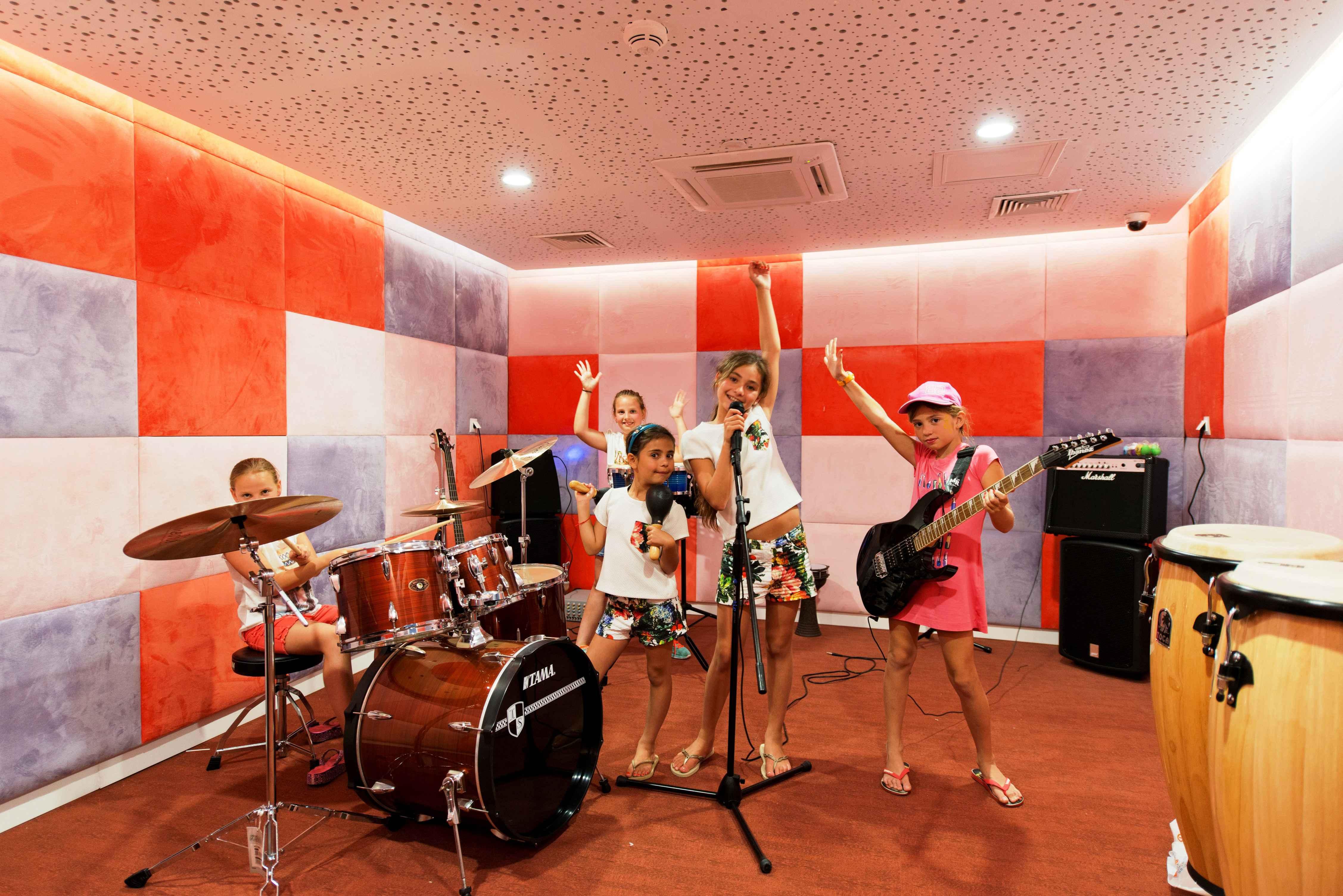 Hotel-Xanadu-Resort-Belek-Musikstudio-fuer-Jugendliche